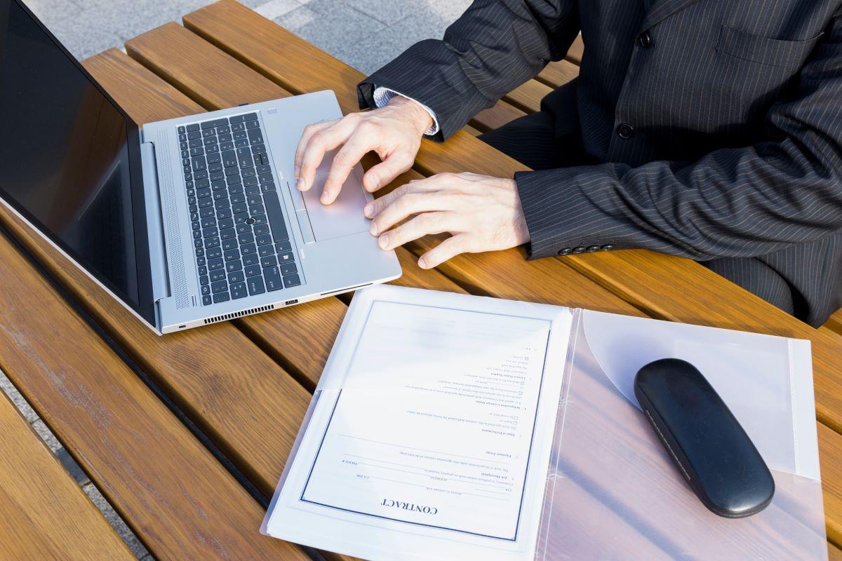 Profissional Paralegal: Entenda de que maneira pode ajudar sua empresa