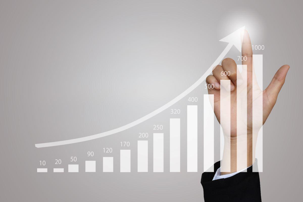Atividade industrial avança pelo quarto mês seguido, diz CNI