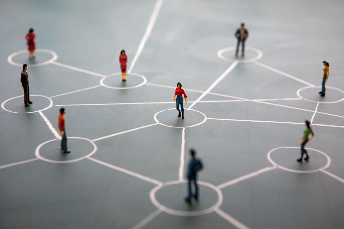 Como fazer networking em tempos de isolamento social e sem sair de casa